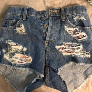 LF Shorts - High wasted jean shorts from LF!
